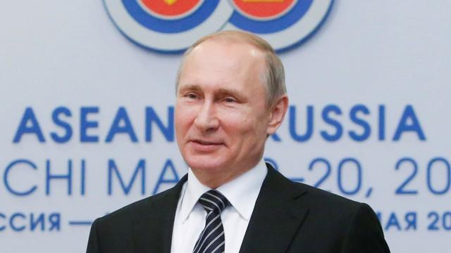 Đông Nam Á: Nga đang tới cùng giao thương vũ khí và năng lượng - Ảnh 1.