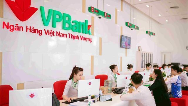 Nợ xuất của VPBank tiếp tục tăng cao, đẩy giá cổ phiếu xuống thê thảm  - Ảnh 1.