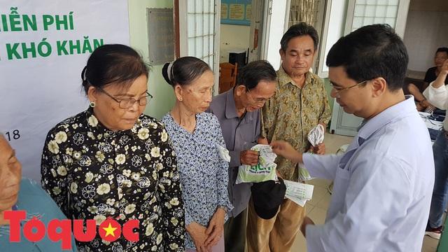 Khám và phát thuốc miễn phí cho người dân có hoàn cảnh khó khăn ở Đà Nẵng - Ảnh 3.