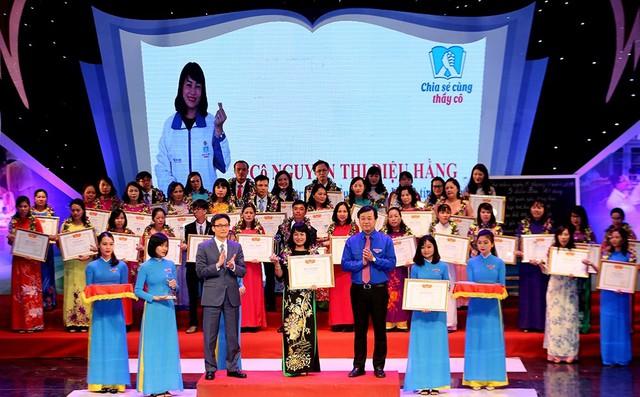 Tuyên dương 48 thầy cô giáo hết lòng vì học sinh khuyết tật - Ảnh 1.