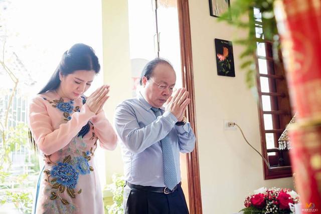 Ảnh cưới đầy mộng mơ khiến nhiều người ngưỡng mộ của ca sĩ Đinh Hiền Anh và chồng hơn 17 tuổi - Ảnh 11.