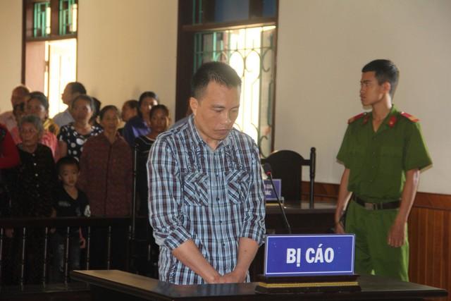 Tài xế cố tình cán chết nam sinh bị tuyên phạt 12 năm tù - Ảnh 1.