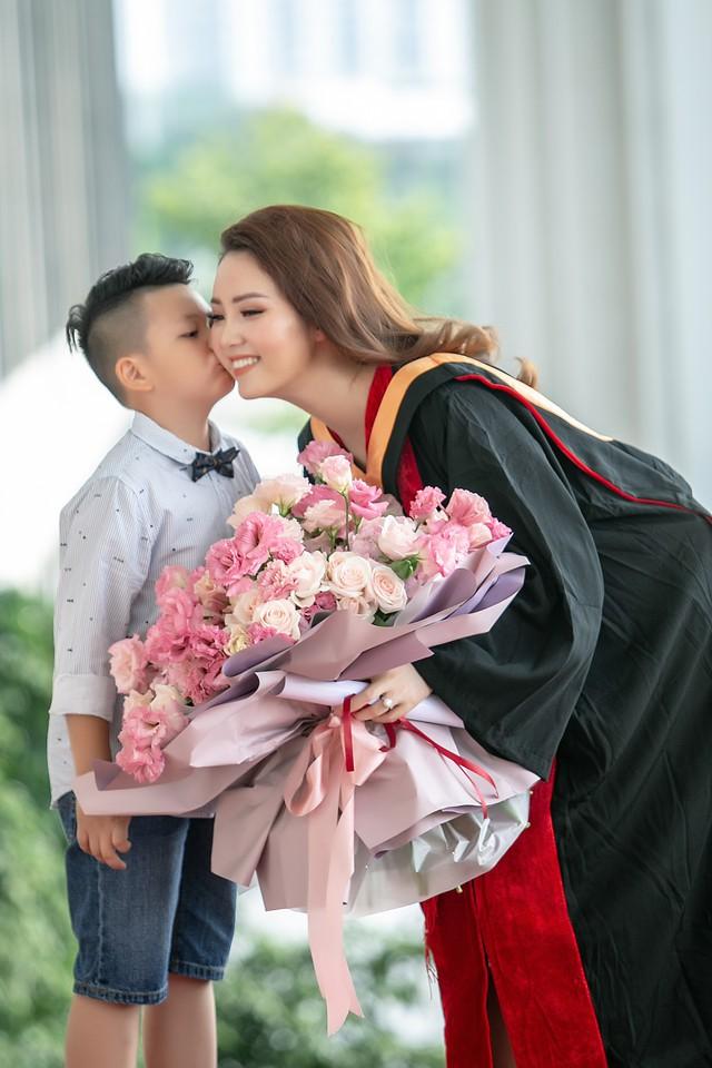 Sau 2 năm đèn sách, cuối cùng Á hậu Thụy Vân đã hái quả ngọt – tấm bằng MBA - Ảnh 7.
