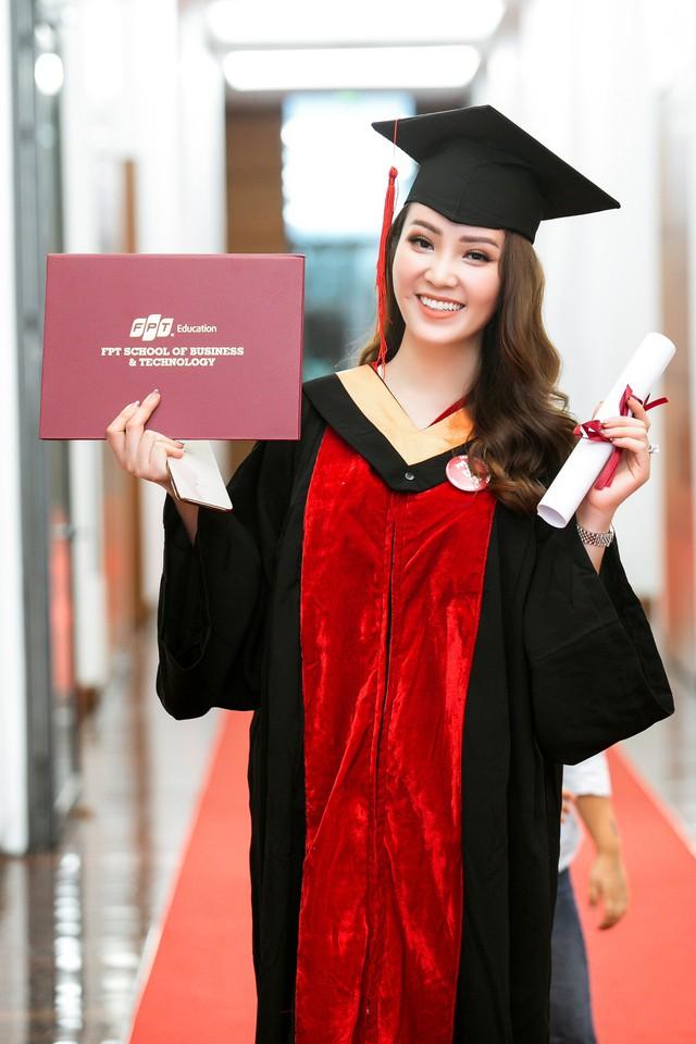 Sau 2 năm đèn sách, cuối cùng Á hậu Thụy Vân đã hái quả ngọt – tấm bằng MBA - Ảnh 9.