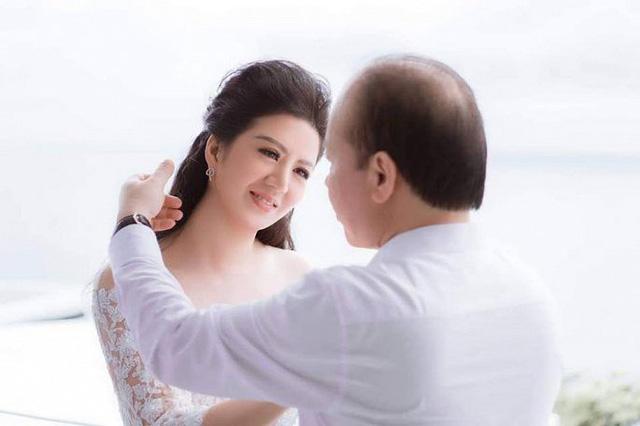 Ảnh cưới đầy mộng mơ khiến nhiều người ngưỡng mộ của ca sĩ Đinh Hiền Anh và chồng hơn 17 tuổi - Ảnh 3.