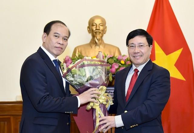 Phó Thủ tướng Phạm Bình Minh trao quyết định bổ nhiệm nhân sự - Ảnh 1.