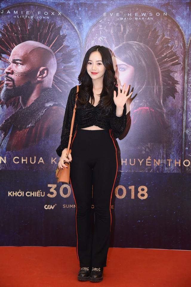 Trẻ trung và sành điệu, hot girl Quỳnh Kool hội ngộ Bình An  - Ảnh 2.