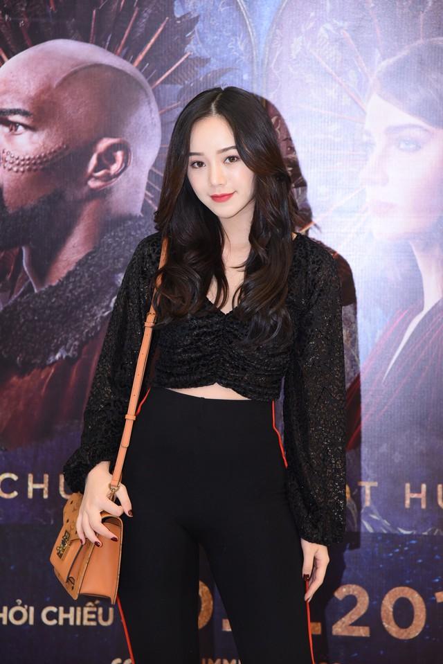 Trẻ trung và sành điệu, hot girl Quỳnh Kool hội ngộ Bình An  - Ảnh 1.