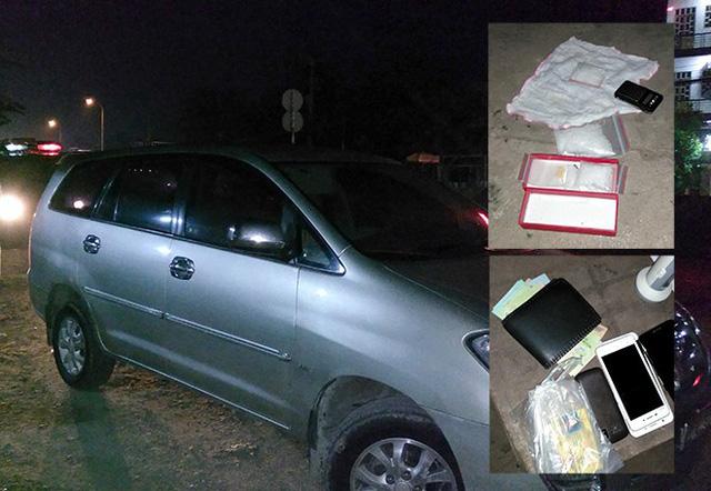 Đôi nam nữ bị bắt trên xe 7 chỗ cùng ma túy và cân tiểu li - Ảnh 1.