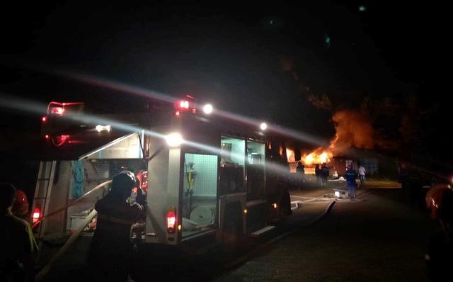 Cháy lớn tại Khu công nghiệp Hòa Cầm - Ảnh 3.