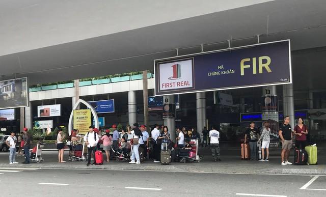 Tài xế taxi từ chối đón khách tại ga quốc nội sân bay quốc tế Đà Nẵng - Ảnh 2.