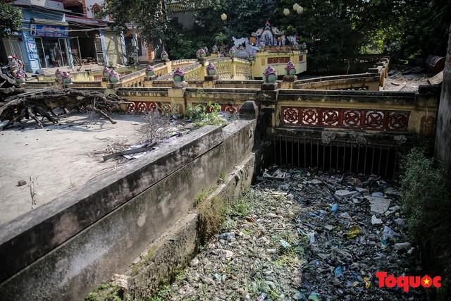 Hà Đông: Dân kêu than vì ô nhiễm rãnh nước thải nhiều năm vẫn chưa được xử lý - Ảnh 2.
