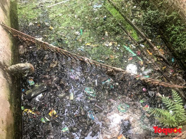 Hà Đông: Dân kêu than vì ô nhiễm rãnh nước thải nhiều năm vẫn chưa được xử lý - Ảnh 8.