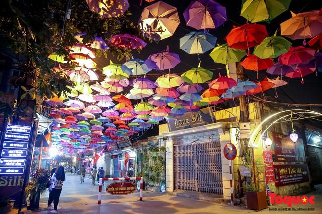 Hà Nội: Làng lụa Vạn Phúc mặc áo mới đón tuần lễ Văn hóa, Du lịch - Ảnh 13.