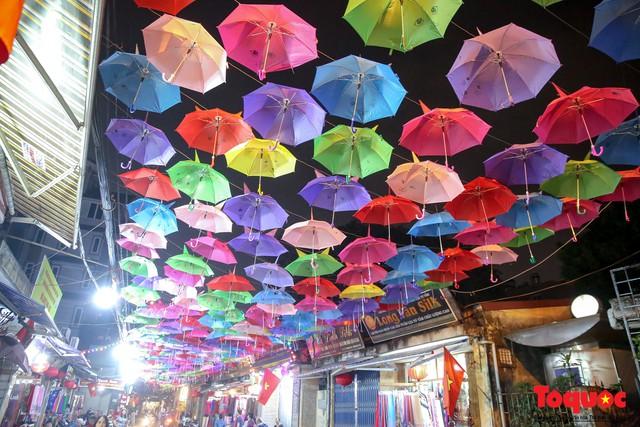 Hà Nội: Làng lụa Vạn Phúc mặc áo mới đón tuần lễ Văn hóa, Du lịch - Ảnh 5.