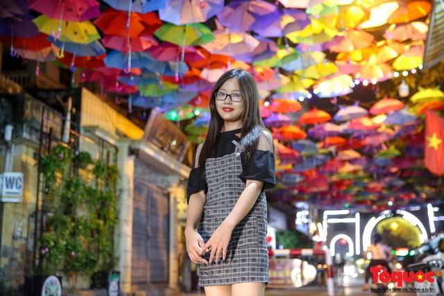 Hà Nội: Làng lụa Vạn Phúc mặc áo mới đón tuần lễ Văn hóa, Du lịch - Ảnh 8.