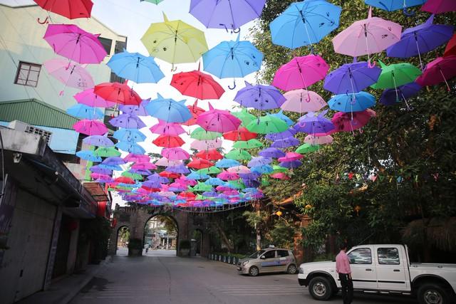 Hà Nội: Làng lụa Vạn Phúc mặc áo mới đón tuần lễ Văn hóa, Du lịch - Ảnh 3.