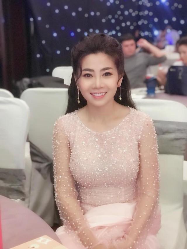 Diễn viên Mai Phương trở lại với công việc dù đang điều trị ung thư phổi - Ảnh 1.
