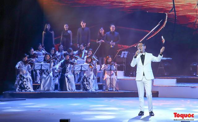 NSƯT Đức Long: Gameshow làm lu mờ những nghệ sĩ có giọng hát đẹp - Ảnh 2.