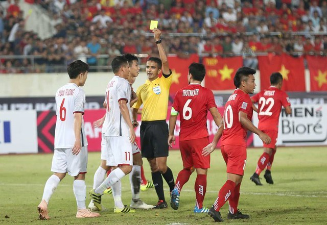Kết thúc hiệp 1: Đội tuyển Việt Nam dẫn trước 2-0 trước Lào, Công Phượng, Anh Đức lập công - Ảnh 6.
