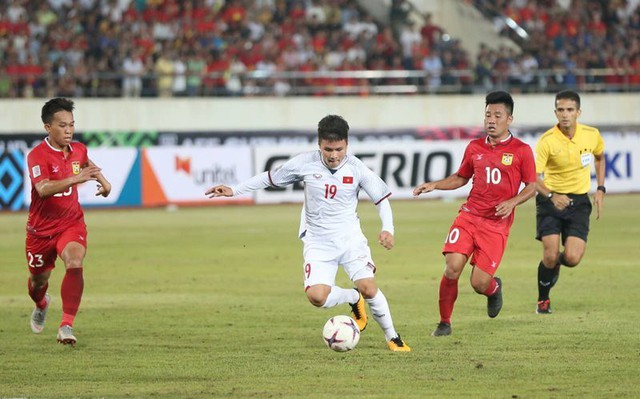 Thi đấu nhàn nhã, tuyển Việt Nam đè bẹp tuyển Lào bằng mưa bàn thắng - Ảnh 2.