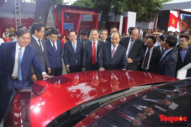 Tập đoàn An Phát Holdings đặt mua 45 xe ô tô VinFast - Ảnh 1.
