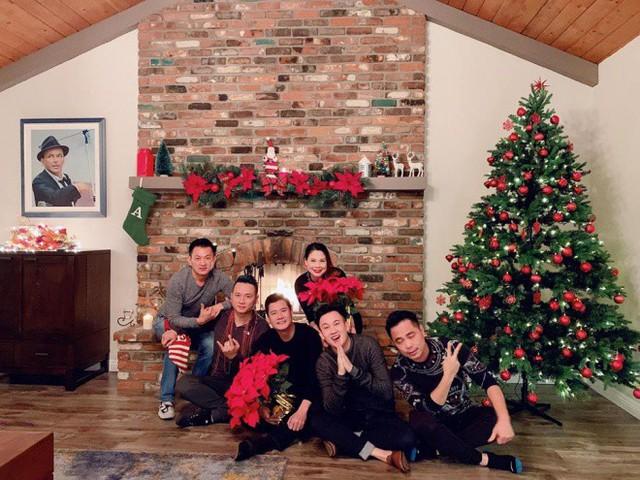 Cùng nghía qua những căn hộ tiền tỷ của sao Việt được trang hoàng lộng lẫy đón Giáng sinh - Ảnh 1.
