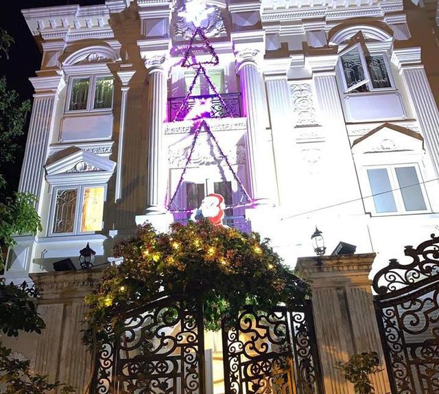 Cùng nghía qua những căn hộ tiền tỷ của sao Việt được trang hoàng lộng lẫy đón Giáng sinh - Ảnh 12.
