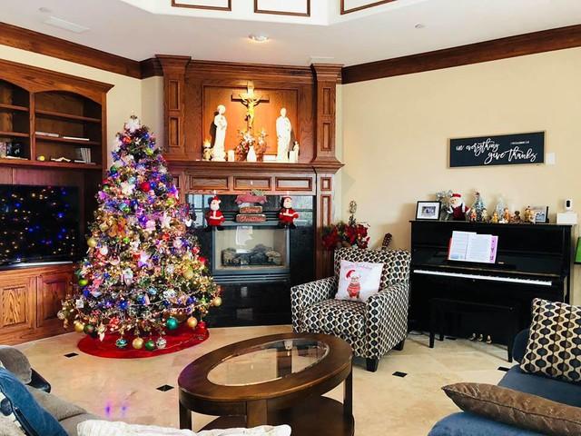 Cùng nghía qua những căn hộ tiền tỷ của sao Việt được trang hoàng lộng lẫy đón Giáng sinh - Ảnh 5.