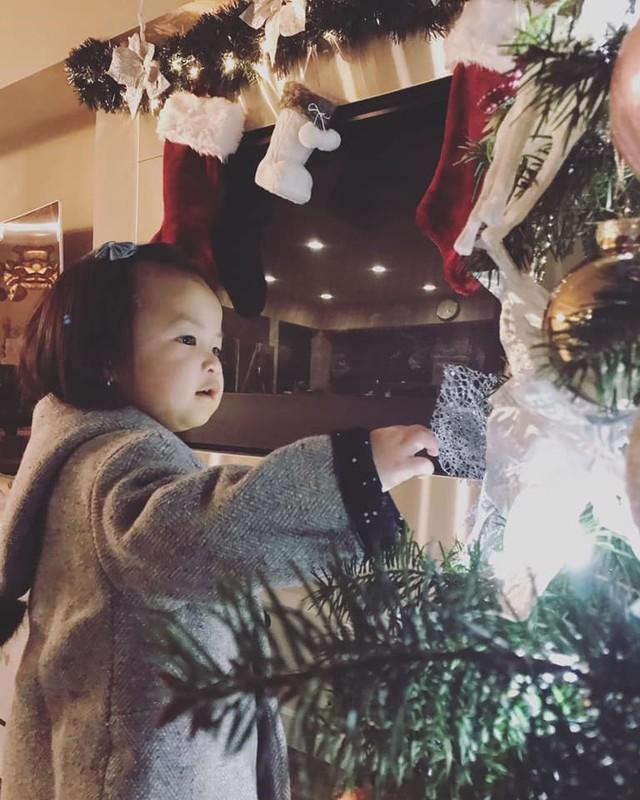 Cùng nghía qua những căn hộ tiền tỷ của sao Việt được trang hoàng lộng lẫy đón Giáng sinh - Ảnh 8.