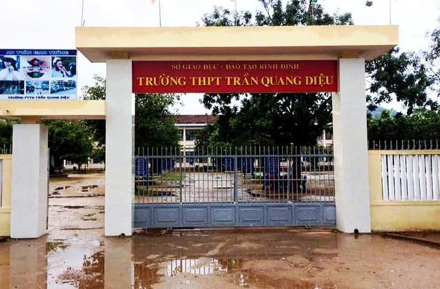 Thầy giáo bị học sinh đánh nhập viện, sau 1 ngày Sở GDĐT Bình Định mới có công văn báo cáo  - Ảnh 1.