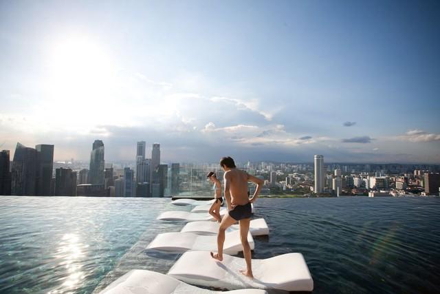 Khách sạn Singapore bùng nổ sau siêu phẩm Con nhà siêu giàu châu Á - Ảnh 1.