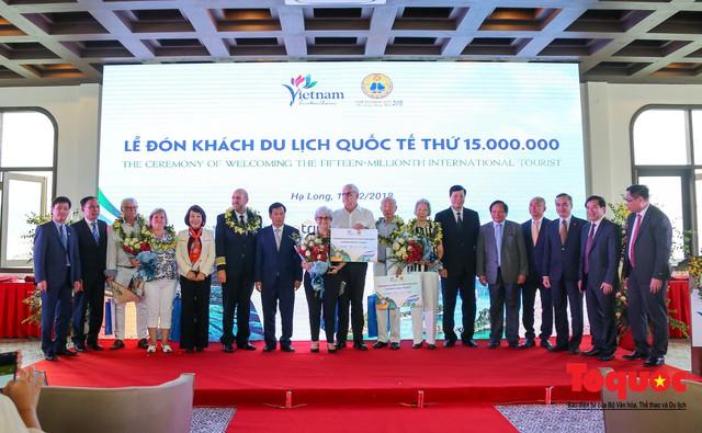 Việt Nam đón vị khách quốc tế thứ 15 triệu, hoàn thành mục tiêu lớn - Ảnh 3.