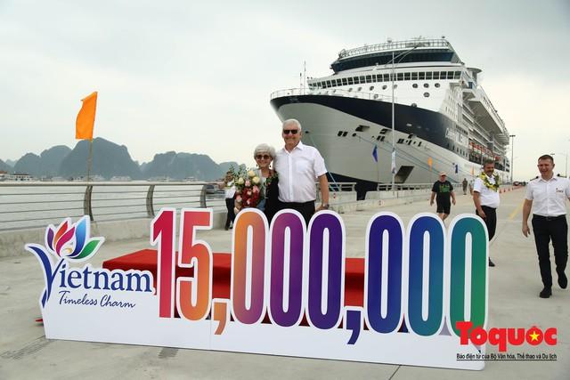 Việt Nam đón vị khách quốc tế thứ 15 triệu, hoàn thành mục tiêu lớn - Ảnh 4.