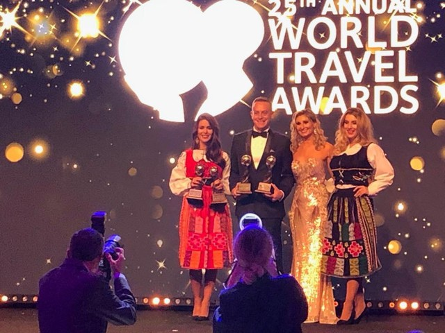 JW Marriott Phu Quoc Emerald Bay bội thu tại World Travel Awards 2018 - Ảnh 1.