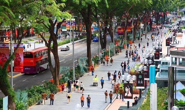 Phố đi bộ Orchard Road ở Singapore cấm hút thuốc lá  - Ảnh 1.