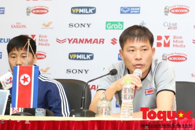 HLV trưởng đội tuyển Triều Tiên Kim Yong-Jun đánh giá như thế nào về đội tuyển Việt Nam? - Ảnh 1.