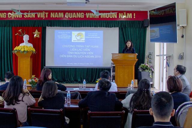 Tập huấn Liên lạc viên, tình nguyện viên phục vụ Diễn đàn Du lịch ASEAN 2019 - Ảnh 1.
