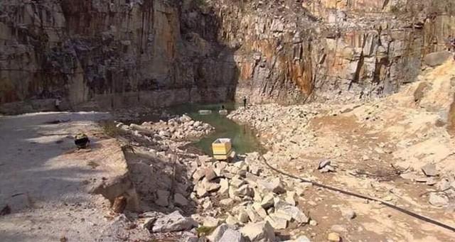 Tuyệt tình cốc Đà Lạt đã hút cạn nước chỉ còn bãi đá trơ trọi - Ảnh 2.