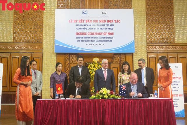 Hợp tác đào tạo âm nhạc giữa Học viện Âm nhạc Quốc gia Việt Nam và Hội đồng chấm thi âm nhạc Quốc gia Úc - Ảnh 1.