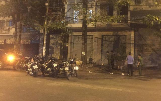 Nhiều tiếng nổ lớn khi hàng chục giang hồ hỗn chiến ở Sài Gòn - Ảnh 1.