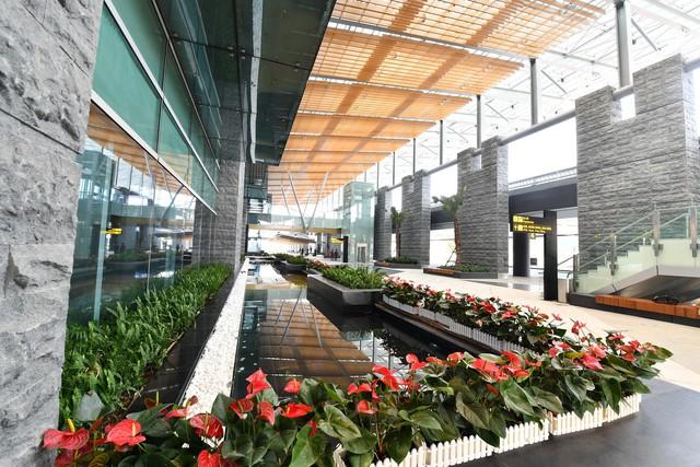 Thủ tướng Những công trình chất lượng sẽ đóng góp vào khát vọng của chúng ta về 50 triệu khách du lịch quốc tế tới Việt Nam  - Ảnh 9.