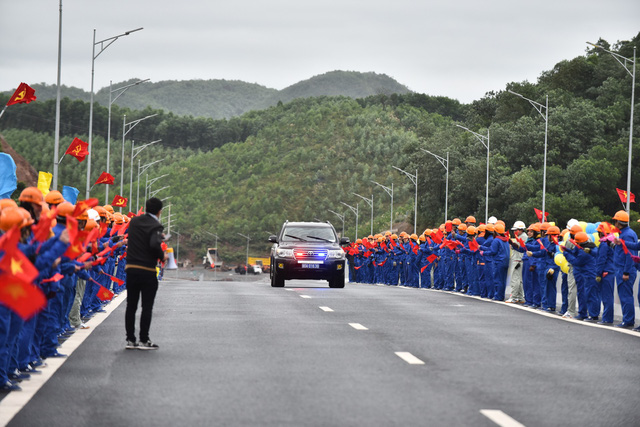 Thủ tướng Những công trình chất lượng sẽ đóng góp vào khát vọng của chúng ta về 50 triệu khách du lịch quốc tế tới Việt Nam  - Ảnh 6.