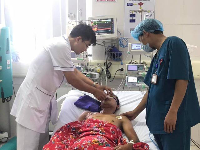Chạy đua thời gian cấp cứu bệnh nhân ngưng tim quá lâu vì điện giật - Ảnh 1.