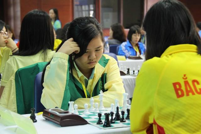 Hà Nội và Bắc Giang giành Huy chương Vàng nội dung cờ Vua tiêu chuẩn - Ảnh 1.
