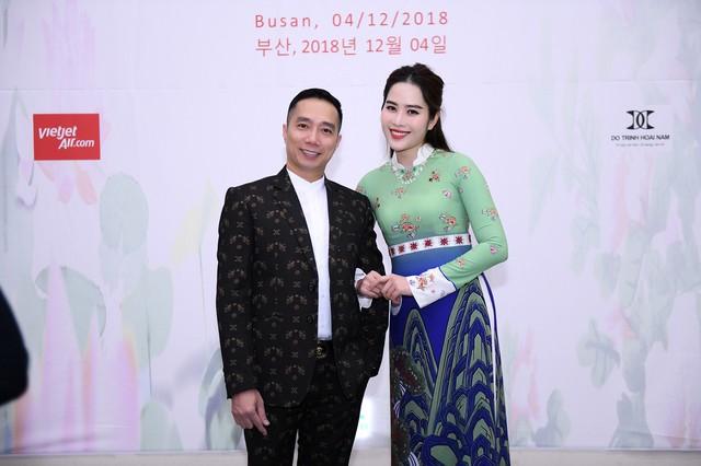 Trình diễn bộ sưu tập áo dài của Đỗ Trịnh Hoài Nam tại Hàn Quốc - Ảnh 13.
