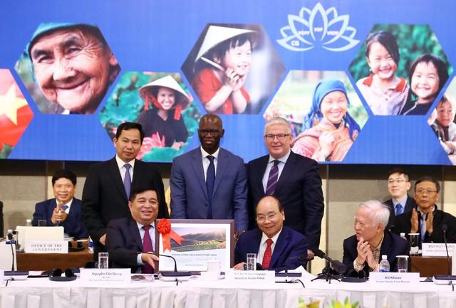 Thủ tướng: Việt Nam luôn cháy mãi khát vọng thịnh vượng, mục tiêu sẽ gia nhập nhóm các quốc gia có thu nhập cao trên thế giới - Ảnh 1.