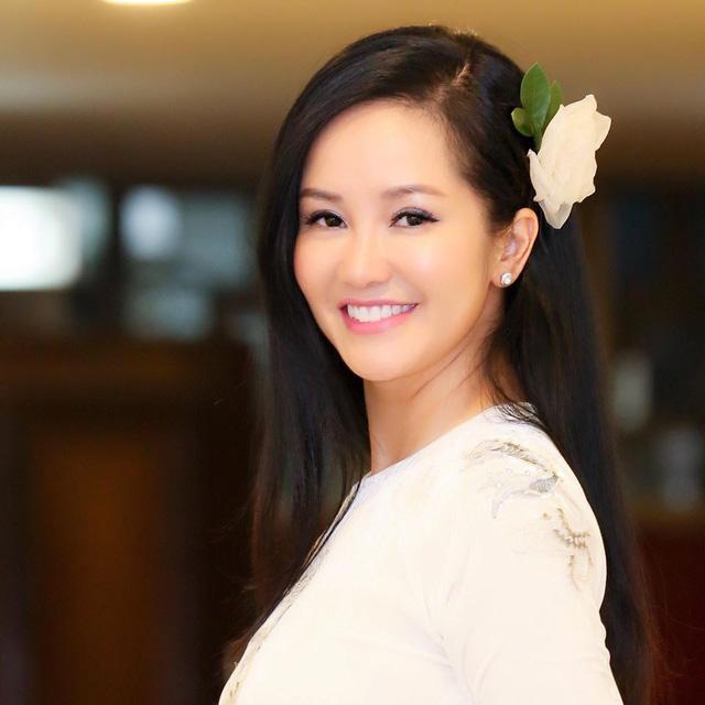 Diva Hồng Nhung: Thời gian qua là chuỗi ngày sóng gió cuộc đời - Ảnh 1.