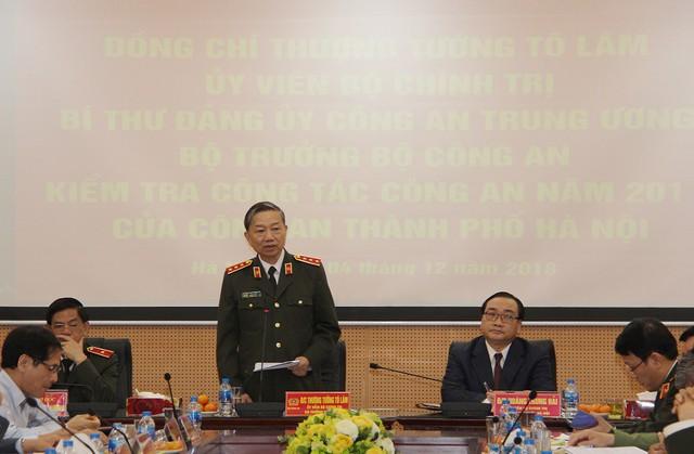 Bộ trưởng Công an yêu cầu Công an Hà nội tiếp tục triển khai quyết liệt đấu tranh trấn áp các loại tội phạm - Ảnh 1.