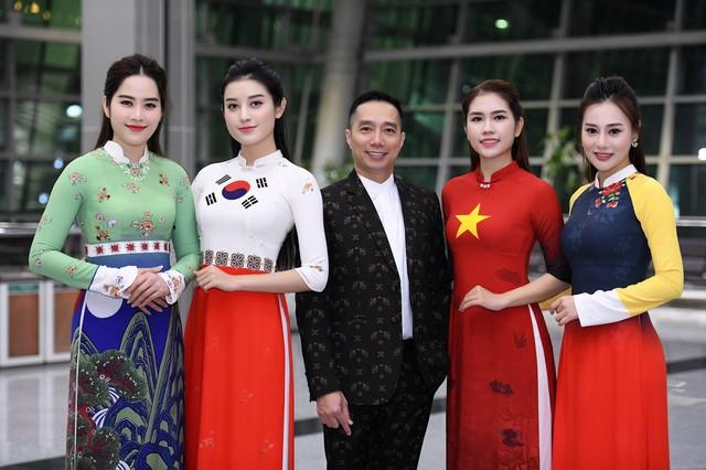 Trình diễn bộ sưu tập áo dài của Đỗ Trịnh Hoài Nam tại Hàn Quốc - Ảnh 6.